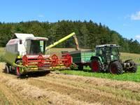 Bauernhofurlaub im Bayerischen Wald - Ernte und Traktor fahren